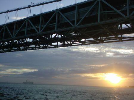 橋 海峡の夕暮れ 横.jpg