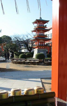 2013年初詣 赤い塔.jpg